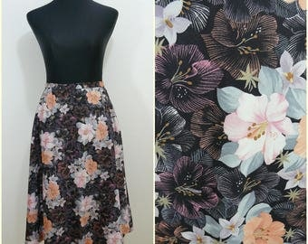 Funky Retro VINTAGE 1970s Black Peach Purple Flower Boho  Flared Skirt UK 12  Fr 40 Floral / Fit & Flare/ Fun