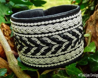 Viking Leather Cuff Bracelet HULDRA Black Foxy Wide Handmade Sami Bracelet Cuff with Pewter Braids - A Chunky and Elegant Piece of the North