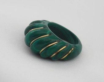 Vintage Malachite Ring - Size 5 - Carved Malachite Statement Ring - 1960s Retro Mod Jewelry