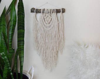 Boho Macrame Wall Hanging Tapestry / Bohemian Hippie Shabby-Chic Home Decor Hanging