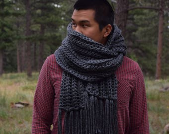 Mens Knit Gray Scarf Tassels, Chunky Charcoal Gray Knit Scarf / Mens Fashion Scarf Fringe Infinity Scarf Cowl Blanket Scarf / Gift For Him