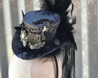 Black and Grey Steampunk top hat - Alice in Wonderland - Circus - Victorian - Steampunk - Cosplay - Costume - Photoshoot - Tea party.