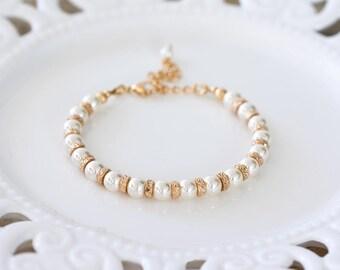 765_ SWAROVSKI pearls bracelet, Ivory bride bracelet, Cream pearls bracelet, SWAROVSKI Bridal pearls jewellery, Gold plated bracelet bride.