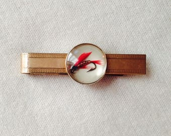 Vintage FISHING Lure TIE Bar FISH hook Tie clip Red feather fishing lure Vintage menswear Gold tone Lucite 1940s  tiebar Vintage Tie