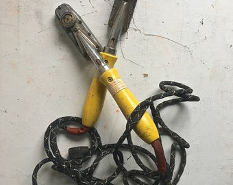 Vintage Wells Automatic Electric Tacking Sealing Iron 115V.A.C. 125 Watts USA ONE Iron