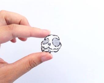 Skull cross stitch pin, Halloween skull, cat skull cross stitch collar pin, skull collar pin