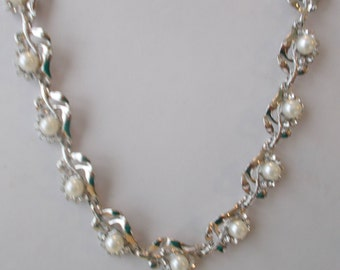 Silver Tone and White Sea Shell Pearls Chain Necklace