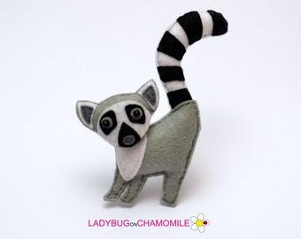 Felt LEMUR, stuffed felt Lemur magnet or ornament, Lemur toy, African animals, Nursery decor, Lemur magnet,Safari animals,Madagascar