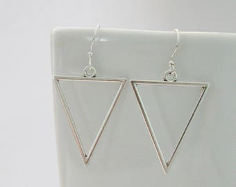 Modern silver triangle earrings, modern earrings, simple geometric silver earrrings
