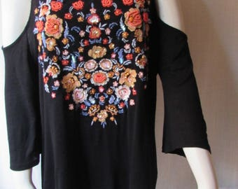 Embroidered floral top woman's XL Black  shoulder-less long sleeve