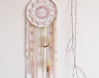 Macrame dream catcher, boho dreamcatcher, large, crochet doily, bedroom decor, wall hanging, handmade, home decor, boho style, pink, neutral