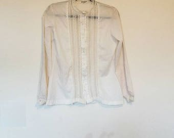 White Victorian Blouse Vintage Cream Victorian-Style Lace Shirt Women's Vintage Lace Detail Ivory Button Up Blouse Ladies Off-White Lace Top