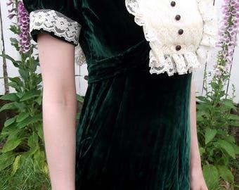 VINTAGE GREEN DRESS 1970's Velvet Lace Size Small