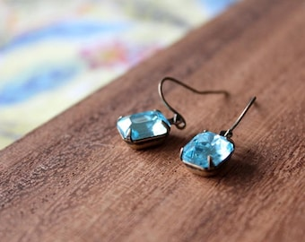 vintage glass earrings - AQUA