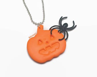 Orange pumpkin necklace (Halloween necklace, polymer clay pumpkin, Halloween jewelry, pumpkin necklace, Jack O Lantern necklace, autumn)