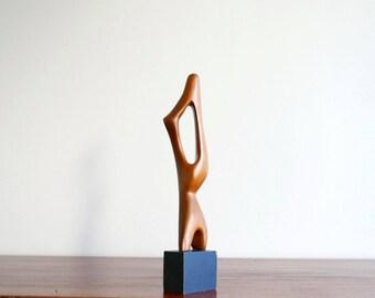 Sculpture abstraite en bois, années 50 1950 vintage art abstrait moderniste minimaliste socle noir