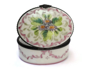 Hand Painted Hinged Trinket Box. Limoges Porcelain Pill Box. Collectors Limoges Box.