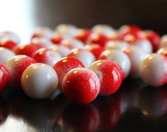 40 round red and white, glass beads, baking painted round, 10 mm, 1.3 - 1.6 mm hole
