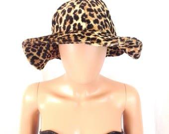 1960's Floppy Brim Leopard Bucket Hat