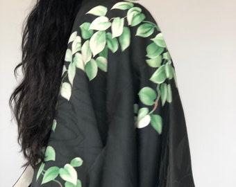 Vintage boho black silk kimono robe haori with white floral and green leaves print - vintage clothing / silk jacket