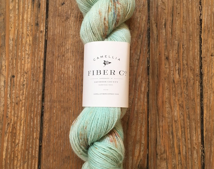 Camellia Fiber Company Flax in Mint Chocolate Chip