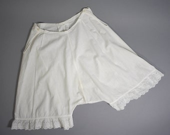 Vintage Bloomers / Vintage Cotton Eyelet Bloomers / Cotton Undergarments / Victorian Whites / Americana / Early American Garment Medium