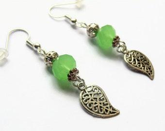 Leaf earrings, dangle earrings, green earrings, leaf jewellery, leaves earrings, drop earrings, nature earrings, gift for her, birthday gift