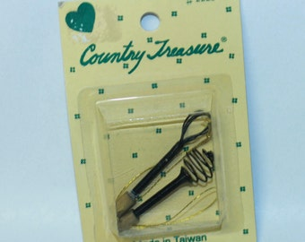 Country Treasure Minature Wisks 2223 Made In Taiwan Dollhouse, Shadowbox