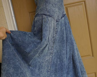 Vintage 80s 90s size 6 small High contrast acid  washed denim halter jean dress made by Panhandle Slim 1980s 1990s