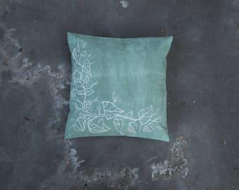Daisy // Pillow // One of a kind // Handmade // Green