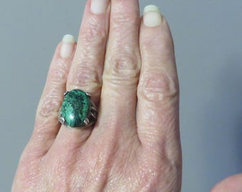 Nice vintage sterling silver chunky green turquoise stone black matrix ring size 8