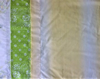 Lot of 4 Mismatched Pillowcases - Yellow Grey White Green Rose Daisy Floral Stripe Print - Vintage Retro Flower - Standard Size