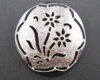 Vintage Sarah Coventry Round Flower Silver Tone Brooch Pin or Pendant Signed Sarah Cov