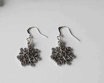 Snowflake Christmas Earrings, Gift for Daughter, Stocking Filling for Mother, Secret Santa for Office Worker Gift, Office Party Accessory