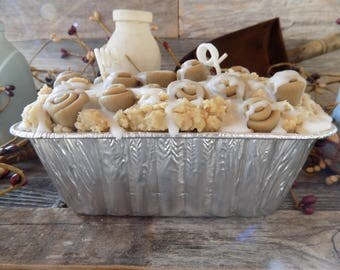 Cinnamon Buns Scented Grubby Bread Loaf Tin Candle, Adorable Embeds