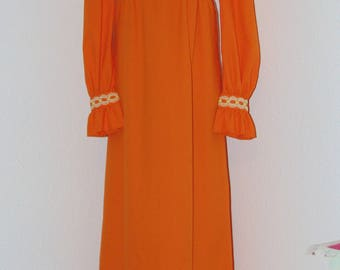 Vintage 1970s Orange Dress with Ruffled Cuffs..Nice!