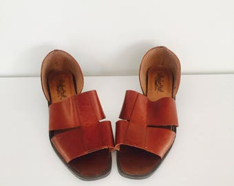 80s Cognac Leather Sandals Low Heel Slip On Sandals 8 38 39 by Leather Craft