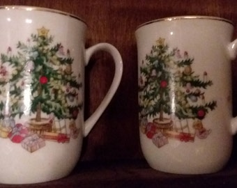 Coffee Mugs Lenox Christmas Tree Mugs White With Green and Red Gold Trim