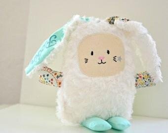 Peluche doudou lapin en liberty, doudou bébé personnalisé, doudou lapin, doudou décoratif, peluche bébé, doudou prénom, doudou brodé main