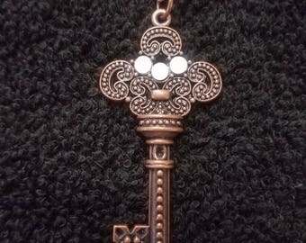 Antique Bronze Key Pendant Necklace