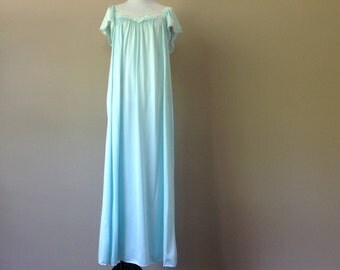 M / Vintage Miss Elaine  Long Flutter-Sleeve Nightgown / Medium / FREE USA Shipping
