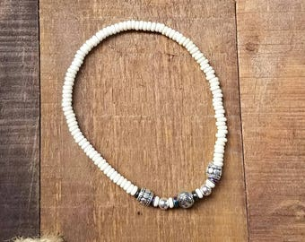 Stretchy Beaded Anklet, Shell beads, Silver Beads, Ankle Bracelet, Summer Fashion, Boho Anklet, Beach Jewelry, Gift for Her, Beach Wedding
