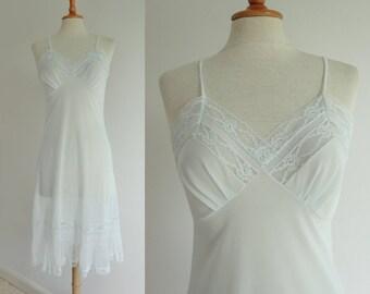 Beautiful Pastel Blue 50s Slipdress With Lace // Lilion// Snia Viscose