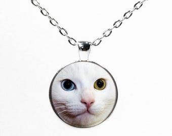 Round Silver White Cat Pendant Necklace - Cat with 2 Different Colored Eyes - Cat Jewelry - Kitten Necklace - Cat Lover Gift