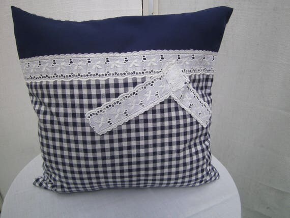 kissen blau wei kariertes kissen maritimes kissen. Black Bedroom Furniture Sets. Home Design Ideas