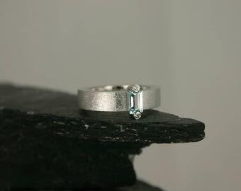 18k White Gold Diamond Ring with Aquamarine – white gold satinated brushed ring – Aquamarine Ring- contemporary jewelry
