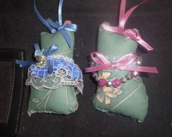 "Two Charming Cat Sachets 5"" tall To witch you add your own fragrances or hang as an ornament"