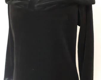 Vintage dress 80s Black velvet evening dress off shoulder neckline by Company size small medium