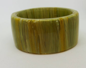 Vintage green plastic bangle