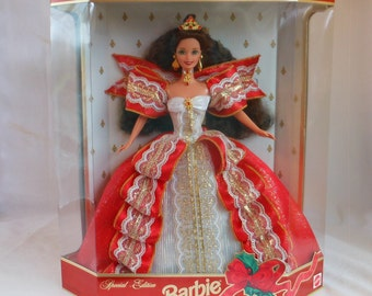 1997 Happy Holidays Special Edition Barbie Doll. Christmas Barbie Doll